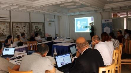 Training sessions for local media journalists on Fact-checking and the fight against information disorder in Tunisia