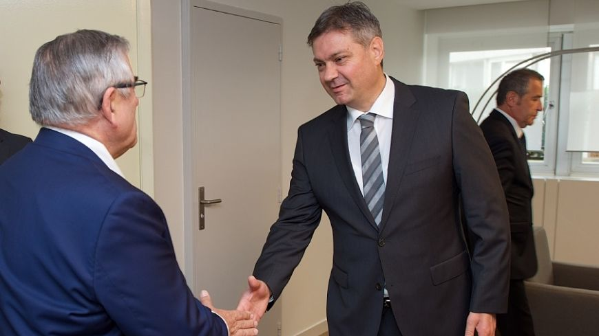 Bosnia and Herzegovina: Congress President Jean-Claude Frécon meets Council of Ministers Chair Denis Svizdic