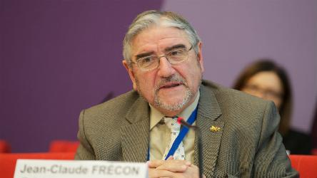 Jean-Claude Frécon: ''Save these populations trapped in a war from a bygone century in Ukraine''