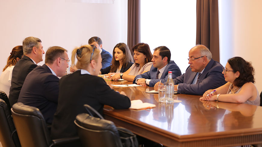 Congress Secretary General meets Armenian Minister of Territorial Administration and Development