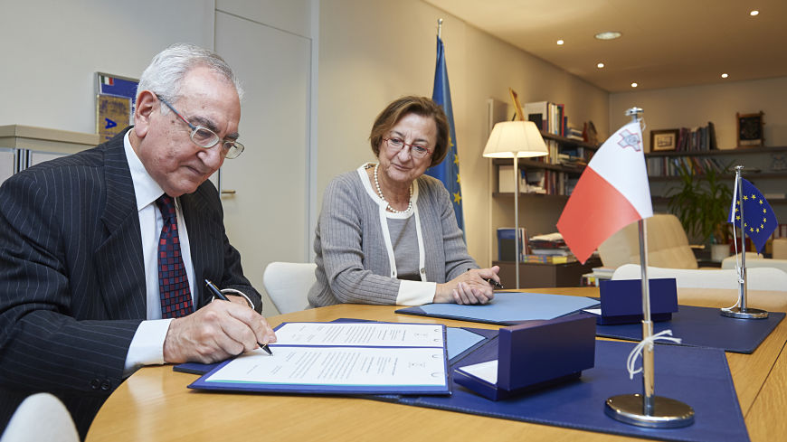 Malta signs and ratifies the Protocol to the European Charter of Local Self-Government on the right to participate in the affairs of a local authority