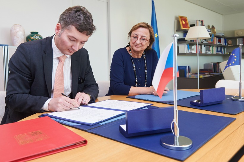 Czech Republic signs the Istanbul Convention