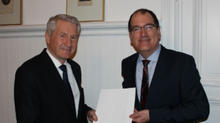 Canada hands over application to join Eurimages to Council of Europe Secretary General  Jagland