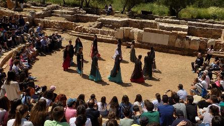 Let's learn about ancient theatre by acting (students)