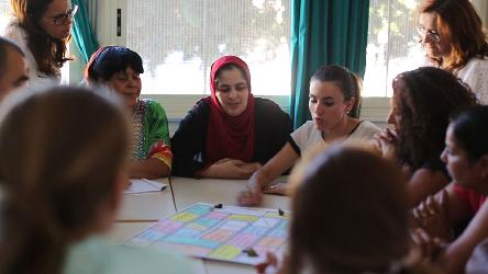 Integrating migrants: survey finds language courses more beneficial than tests