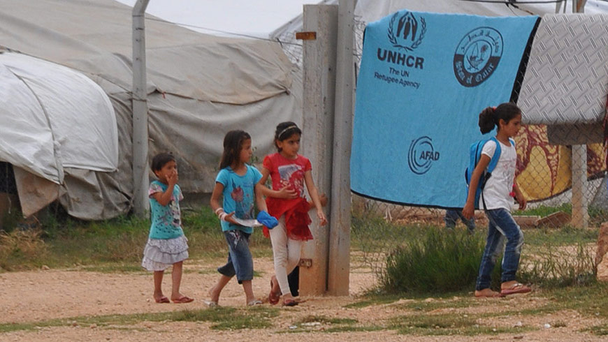 Turkey: Migrant children and refugees living precariously outside camps