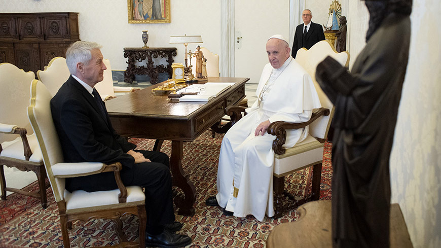 Secretary General visits Vatican for audience with Pope Francis