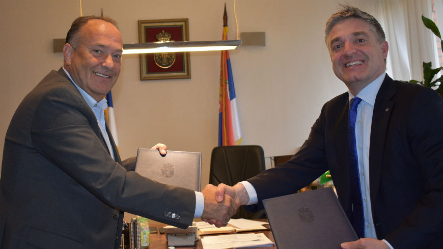 Academic Integrity courses Licence Agreement signed in Serbia