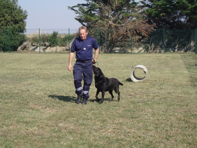 3 National School for Customs OFficers, La Rochelle - Mr Gazo  training  a dog.jpg