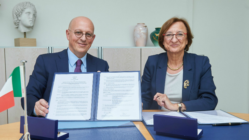 Italy makes a voluntary contribution