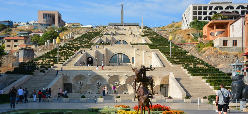Yerevan cascade - Giant stairway made of limestone with fountains and modernist sculptures