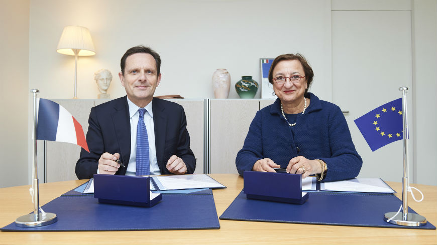 France makes a voluntary contribution