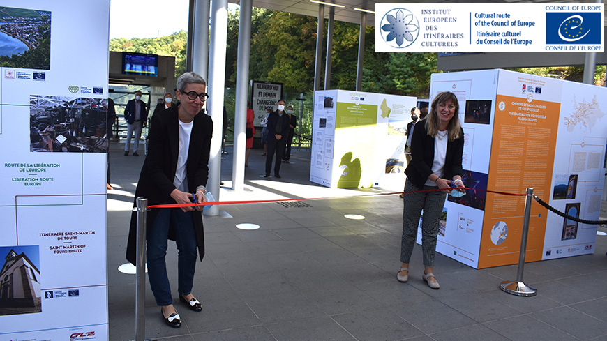 From left to right: Mrs. Sam TANSON, Minister of Culture of Luxemboug, and Mrs. Snežana SAMARDŽIĆ-MARKOVIĆ, Director General of Democracy of the Council of Europe, during the official opening of the Exhibition.
