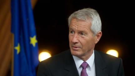 Secretary General Thorbjørn Jagland congratulates President Obama