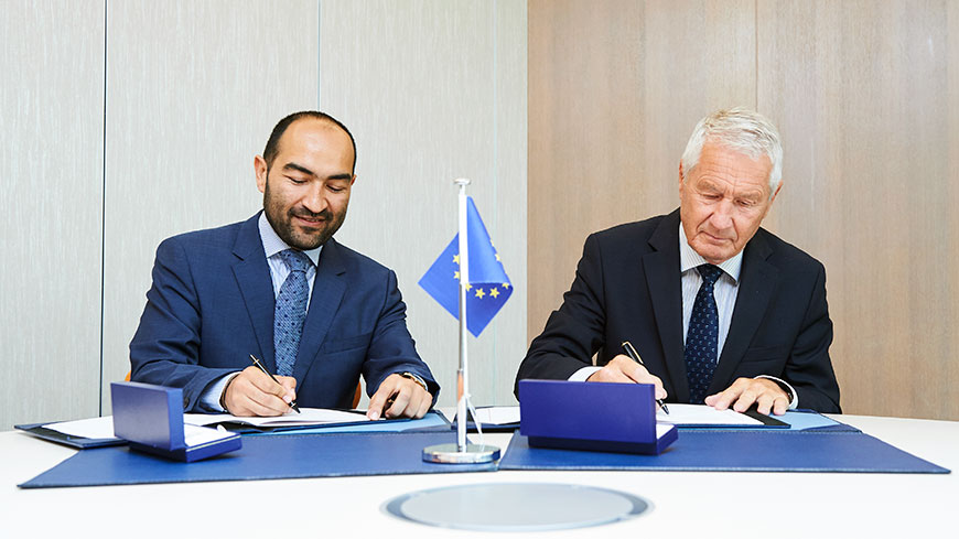 Secretary General signs memorandum of understanding with European Roma Institute for Arts and Culture