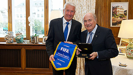 "Secretary General gives support to FIFA's ""handshake for peace"" initiative"