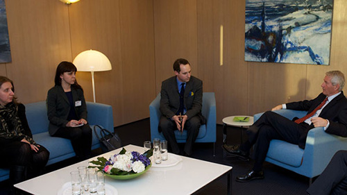 Secretary General meets young human rights defenders from Ukraine