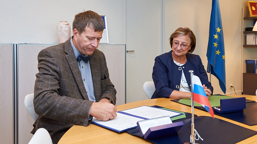 Russian Justice Minister meets Deputy Secretary General, signs Protocol 15 to the European Human Rights Convention