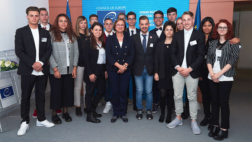 Deputy Secretary General receives Italian NO HATE prize-winners' students