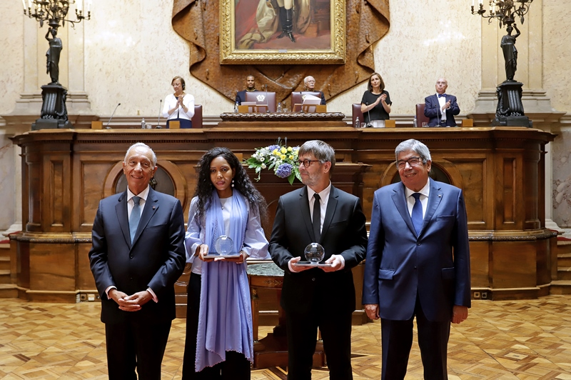 The laureates with the President of the Republic, Marcelo Rebelo de Sousa and the President of the Parliament, Eduardo Ferro Rodrigues
