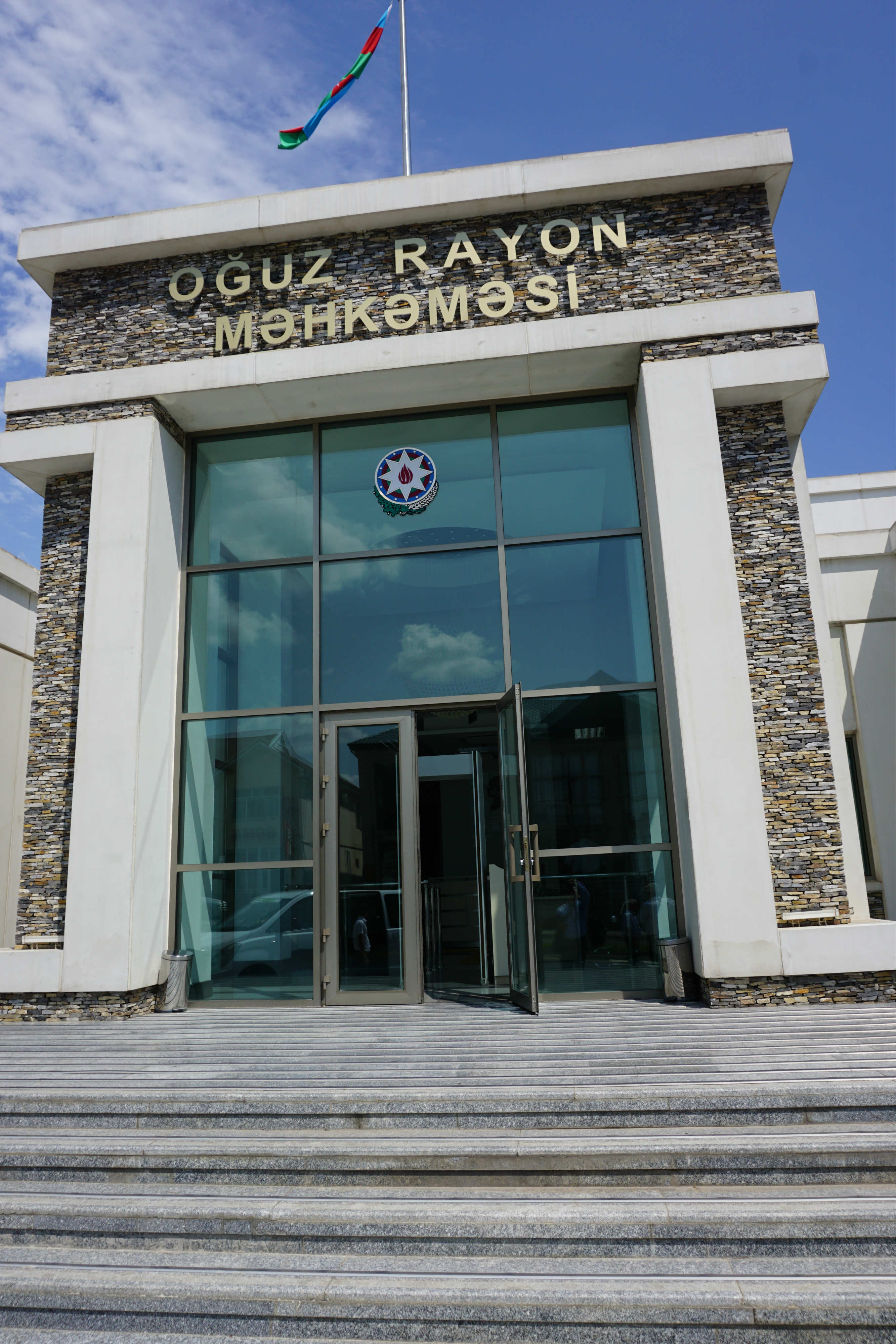 Visit to the Oghuz District Court 001.jpg