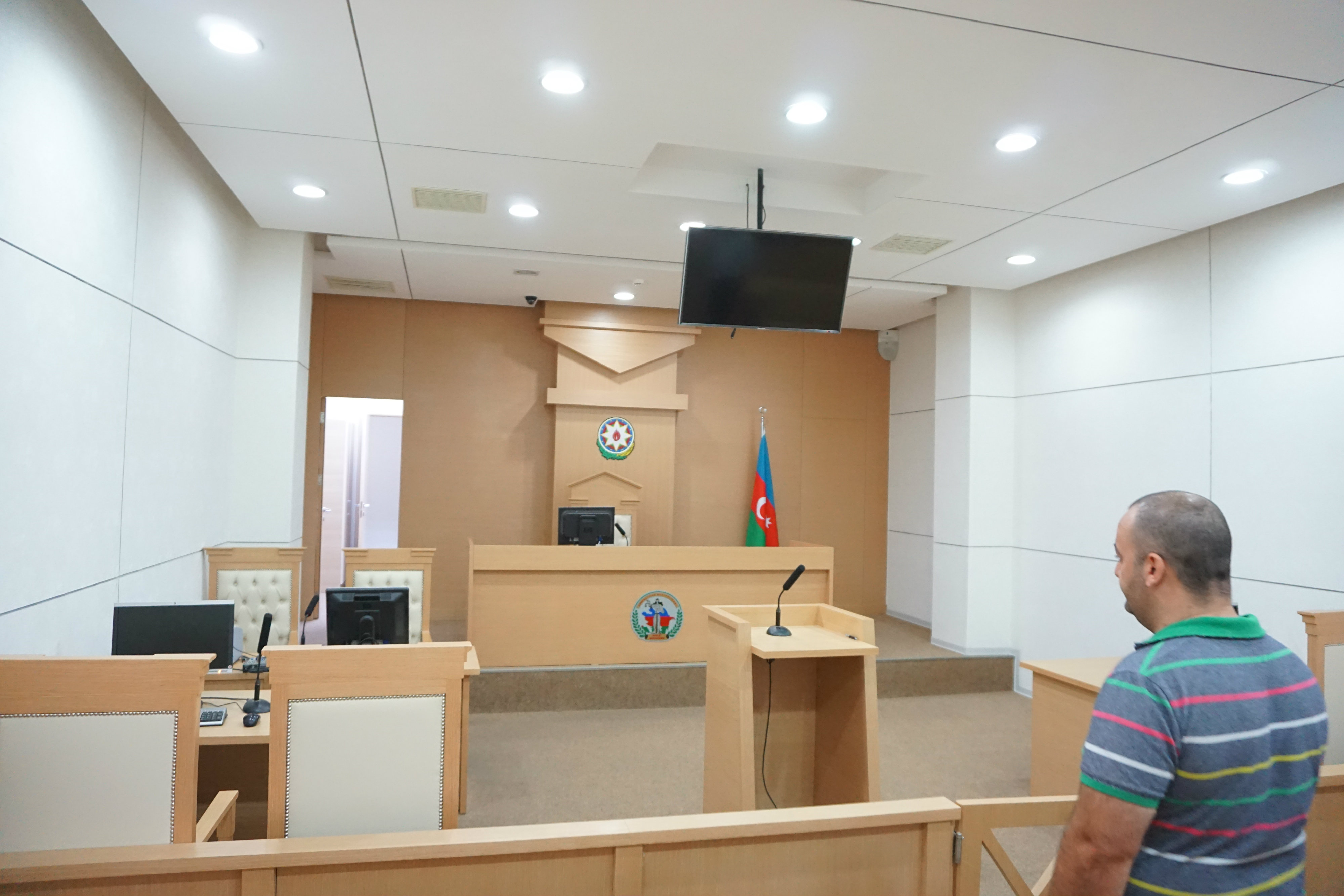 Visit to the Oghuz District Court 038.jpg
