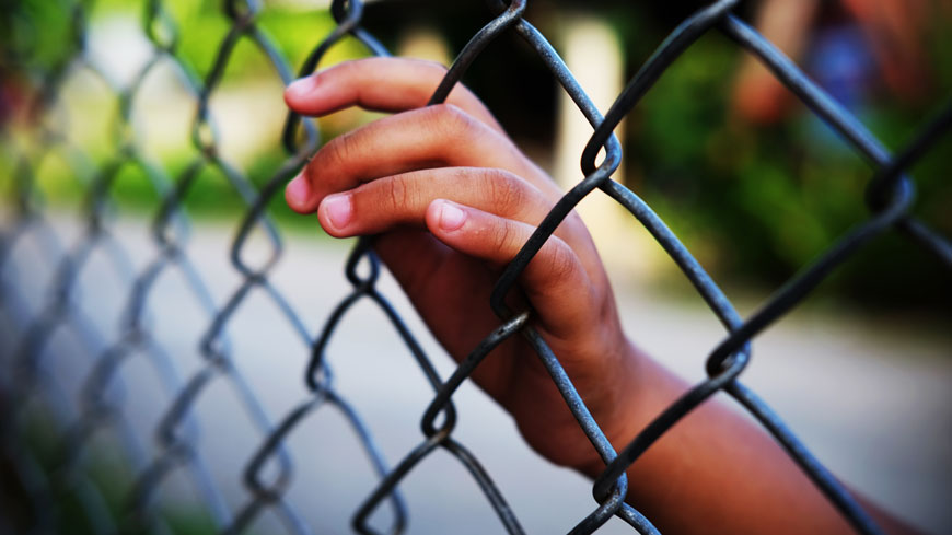 Commissioner calls for release of immigration detainees while Covid-19 crisis continues