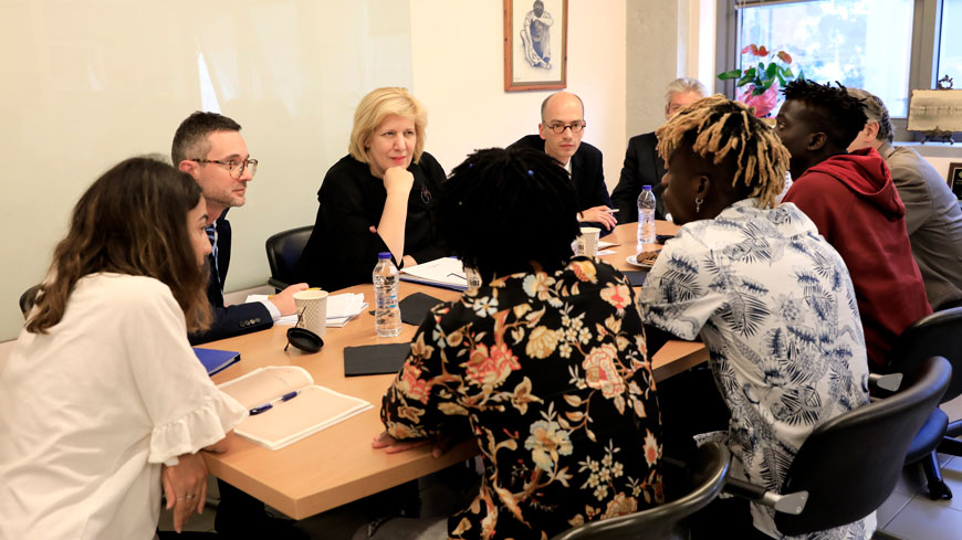 Council of Europe Commissioner for Human Rights, Dunja Mijatović meets with beneficiairies of a semi-independent living programme for unaccompanied minor in Athens, Greece. ©CoE/2018/Giorgos Moutafis