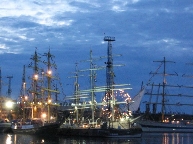 Old sailing ships in Gdynia, Polish port from XX century.jpg