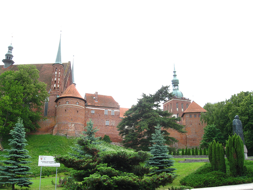 XIV century cathedral in Frombork, town of Copernicus.jpg