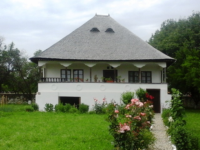 Traditional Romanian House in the Open Air Museum of Golești, Argeș County.jpg