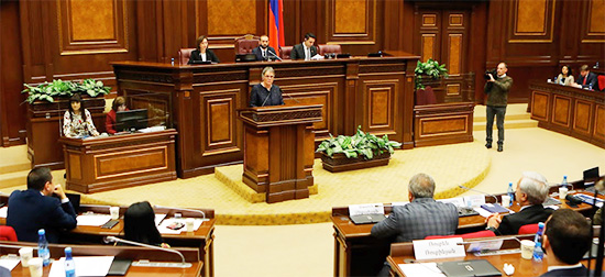 President congratulates Armenian people and authorities on peaceful political and democratic transition