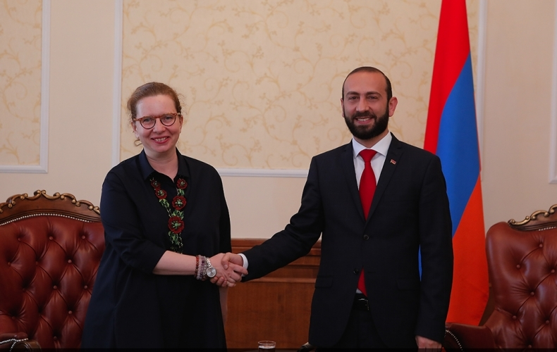 Head of the CoE Office in Yerevan meets with the President of the National Assembly of Armenia