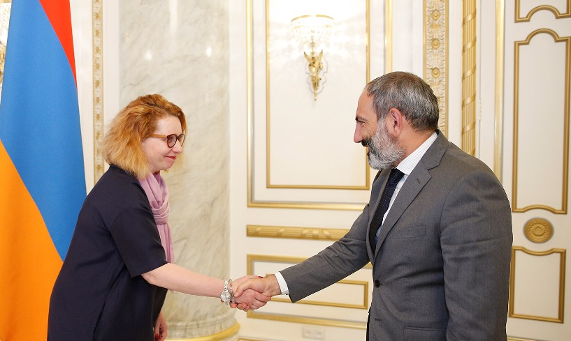 The Head of the CoE Office in Yerevan meets with the Prime Minister of Armenia