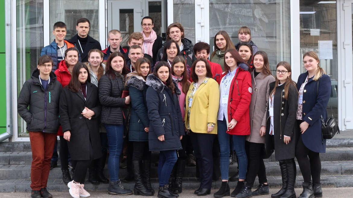 """Express-course on human rights"" held for students of displaced universities"