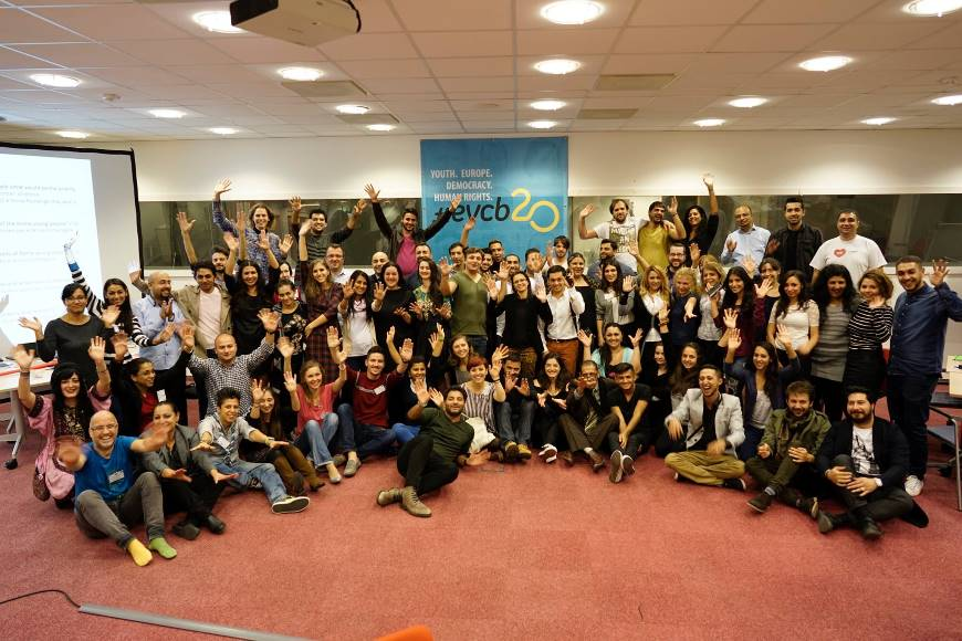 Roma Youth: Searching for sustainable and meaningful participation