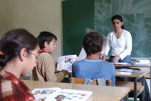 States must take resolute measures to end school segregation of Roma