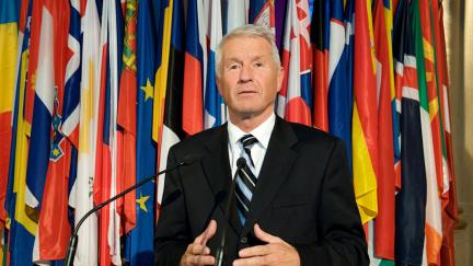 Secretary General Jagland congratulates Jean-Claude Juncker on new Commission