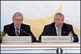 From left to right: Ren� van der Linden, Parliamentary Assembly President, and Terry Davis, Secretary General