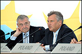 From left to right: Terry Davis, Secretary General, and Aleksander Kwasniewski, President of Poland